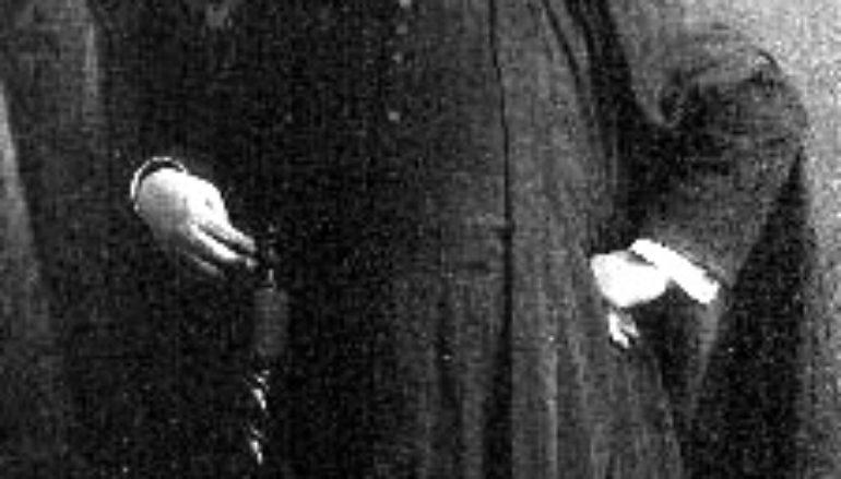 Веселый священник Артур Риддл
