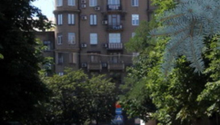 Дома Донецка: Дом с башнями