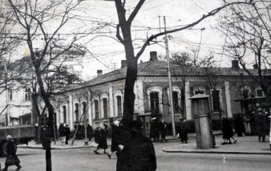 Проспект Маяковского: мир хижин