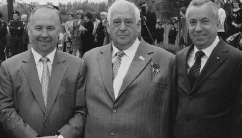 Год 1998-й. Рыбак, Скочинский и кузнецы