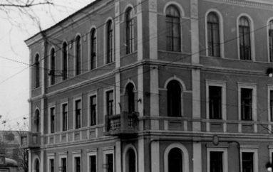 Кочующая гостиница «Октябрь»