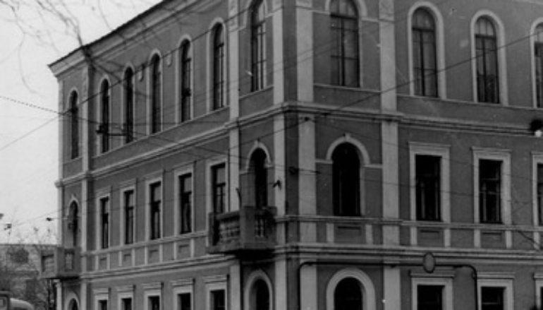 "Кочующая гостиница ""Октябрь"""