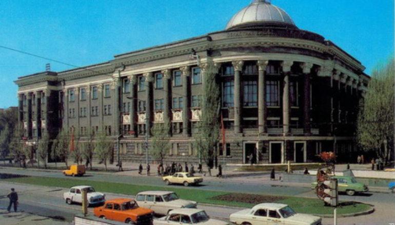 Самый красивый архитектурный памятник города – библиотека Крупской
