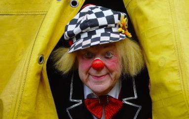 «Солнечный клоун» в городе роз