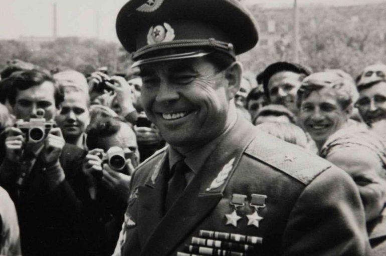 Три жизни Георгия Берегового