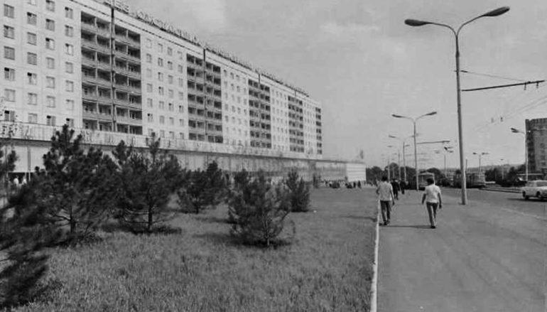 Донецк Игоря Чуракова. Площадь Коммунаров и кое-что еще