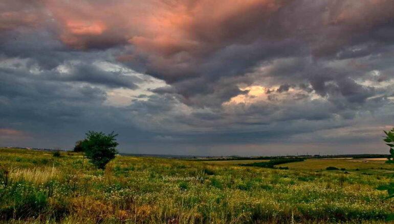 Июльский закат в донецкой степи
