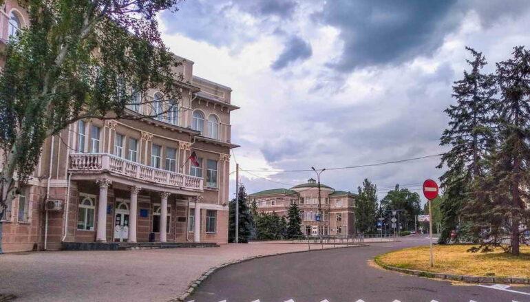 Архитектура площади Металлургов